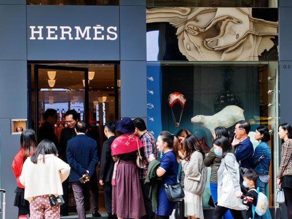www.corriere.it/economia/moda – Coronavirus, Hermès riapre a Canton: 2,5 milioni di euro in un giorno ed è già «revenge spending» di Francesco Tortora15 aprile 2020