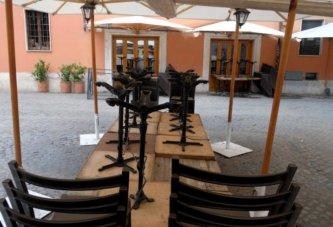 Coronavirus, i ristoratori in ginocchio dichiarano guerra: sciopero fiscale fino al 31 dicembre - Ristoranti chiusi per l'emergenza coronavirus e bonus 600 euro mai arrivato. Il 28 aprile parte lo sciopero fiscale: