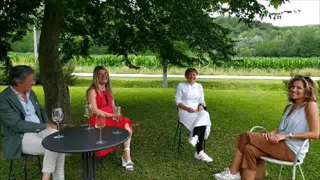6 domande ad Antonia Klugmann Chef Titolare del Ristorante L'Argine di Vencò a Dolegna del Collio. A cura di Francesca Orlando, Nicolò Gambarotto e Mariella Trimboli Direttrice della rivista Top – Taste of Passion