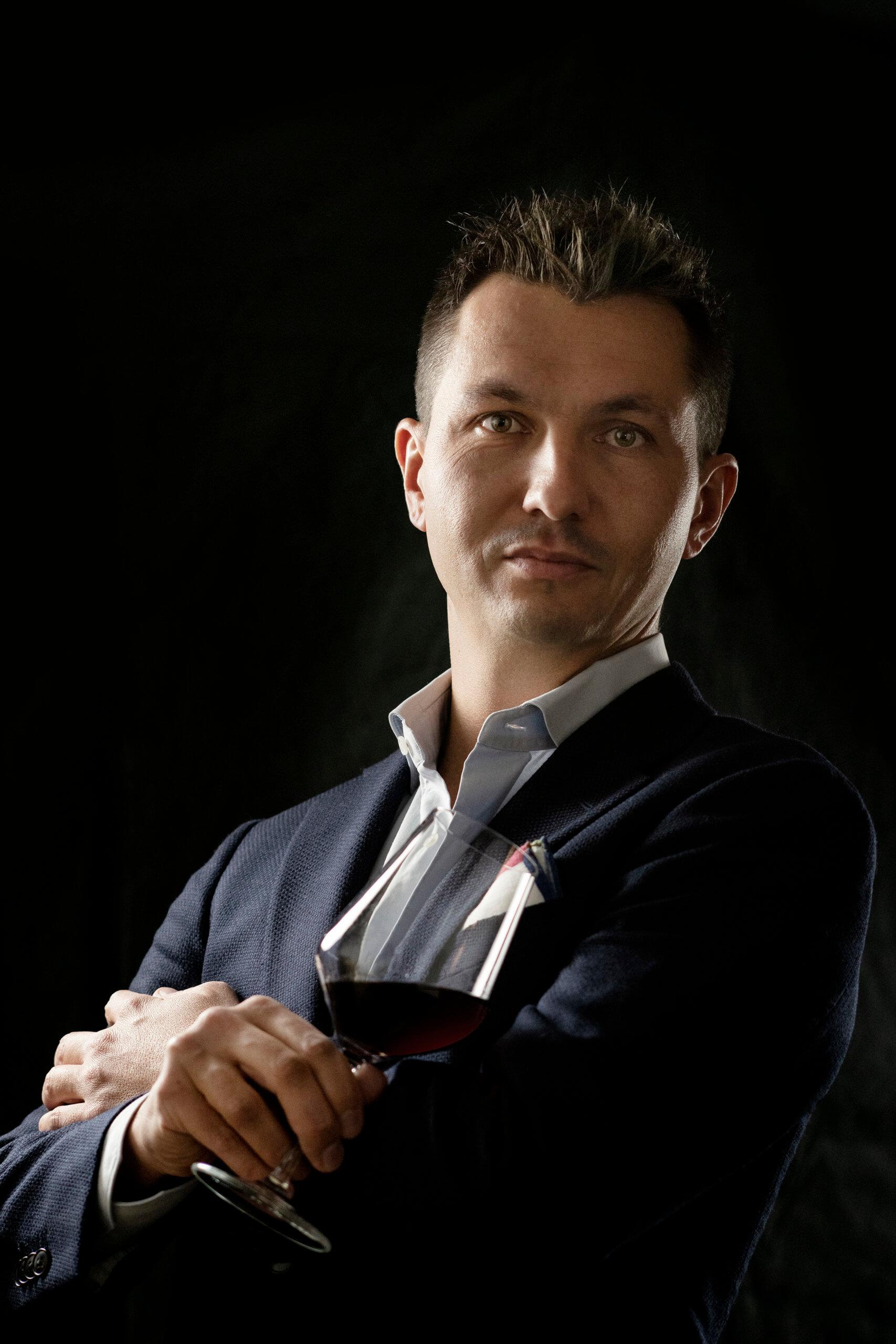 Nicola Biasi miglior giovane enologo d'Italia 2020  La sua carriera partita dalle vigne friulane. La premiazione avverrà il 10 ottobre a Bari durante la Vinoway Wine Selection 2021
