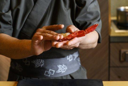 IYO_Omakase_Nigiri_carabinero